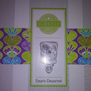 New in Box Scentsy Warmer Dearly Departed